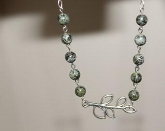 Simple Leaf Necklace