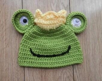 NEW Baby Newborn Crochet Frog Prince Beanie Hat Photo Prop 0-3 Months