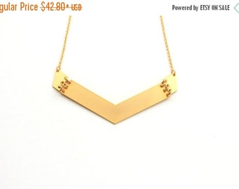 SUMMER SALE Big arrow Pendant Necklace ,Geometric gold necklace, geometric jewelry, bib necklace, statement necklace