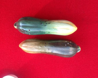 Vintage Cucumber pickle ceramic porcelain salt and pepper shakers Japan