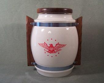 Siesta Ware #4 Large Cookie Storage Jar White with Eagle Design      S865
