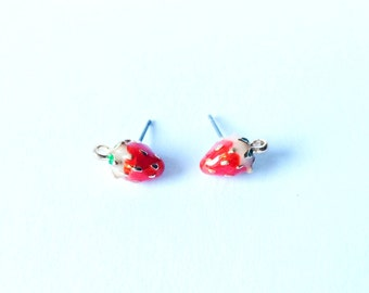 Strawberry Earrings - Fruit earrings - Post earrings - Stud earrings - Juicy strawberry - Red earrings - Kawaii earrings - Strawberries