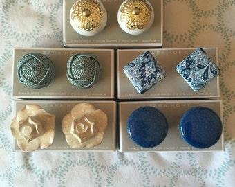 Ceramic Fashion home decor drawer knobs, white gold, blue shattered, yarn