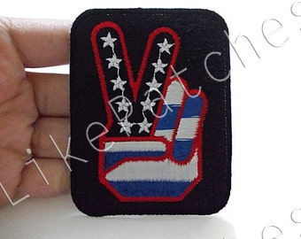 American Flag Victory Sign - V Sign - Hand Sign Black Patch Flag of America U.S.A Sew / Iron On Patch Embroidered Applique Size 6cm.x7.8cm.