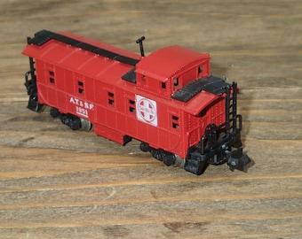 N Scale Train Car Minitrix Vintage, Red Caboose, Waycar Train, ATSF Santa Fe Caboose Car 1951, #3272 - Waycars / Cabooses, Train Hobbyist