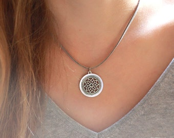 necklace statement faux suede leather cord antique silver flower pendant bohemian boho hippie ethno gypsy