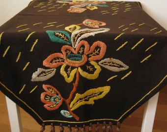 ANTIQUE SWEDISH TABLECLOTH / Vintage swedish craft / Hand made / Scandinavian / Wool / Embroidery / Stitches / Floral / Folk art / Brown