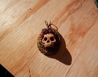 Halloween Special Skull Amogst Roses Pendant