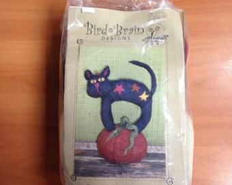 Black Cat Pumpkin Sitter Felt Kit