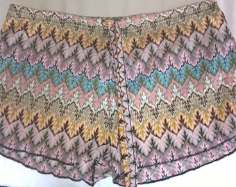 Crochet style short / Multi  / Boho / Festivals / Summer clearance