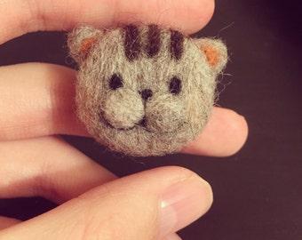 Wool felt/needle felt mini cat brooch