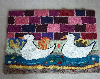 Large Hand Made Rag Rug Wall Hanging Mat, Pair of Ducks / Geese Pegged Rug, Handmade Hooked Rug Carpet Fireside Sofa Re-Cycled Rug Carpet