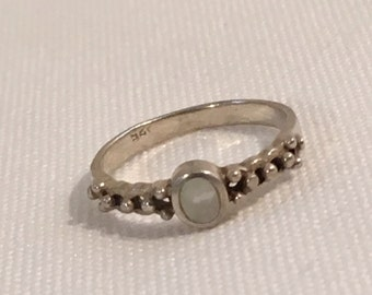 Sterling Silver 925 MOP Mother of Pearl Ring Size 4.75 Jewelry