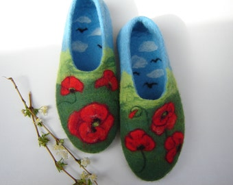 Beautiful poppy slippers, Woman felt slippers, Organic wool shoes, Gift for Mom, Felt poppy shoes, Floral shoes, Felt clogs, Red, Blue Green
