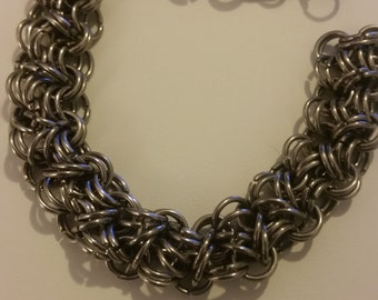 Stainless steel chainmail bracelet