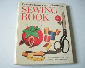 Better Homes and Gardens Sewing Book, Sealed Vintage Binder Style Sewing Guide, Instructions & Patterns, Sewing Tips