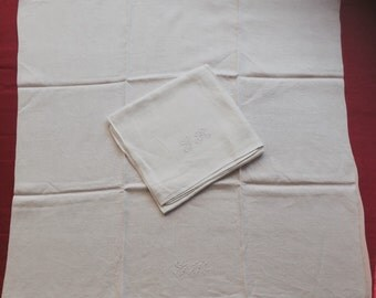 2 large towels/wipes glass in linen and silk. Monogram GR