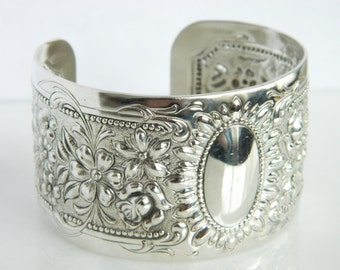Beautiful Vintage Sterling Silver Towle Repousse Cuff Bracelet