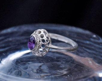 Vintage Silver Amethyst Ring Size J (4.75)