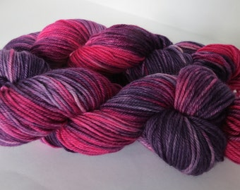 Hand Dyed Merino Worsted, Pink and Purple Berries, 115g/200 yards