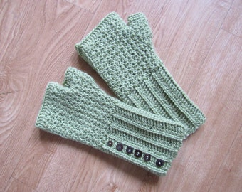 Green Daisy Fingerless Mitts Crochet Pattern