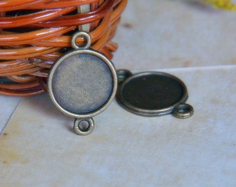 5pcs - 10mm  Antique Bronze Brass Cabochon Pendant Base with Loop  (DT109)