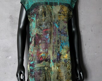 Double sided little dress abstract print and black fishnet