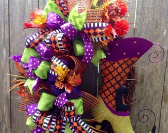 Witch's Boot Grapevine Halloween Wreath, Whimsical Grapevine Wreath, Halloween Wreath, Witch Boot Funky Bow Wreath