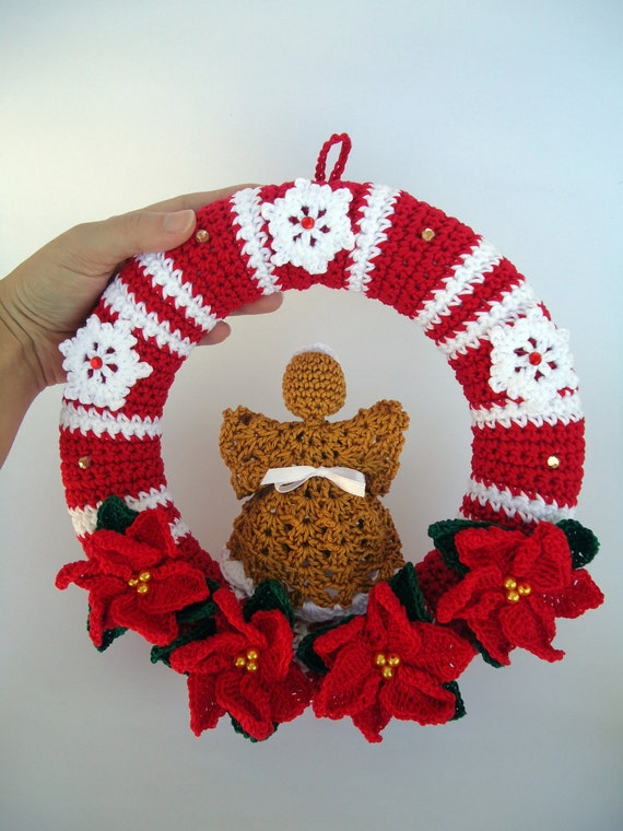 Christmas wreath in crochet door hanger decoration angel for Angel of the north christmas decoration