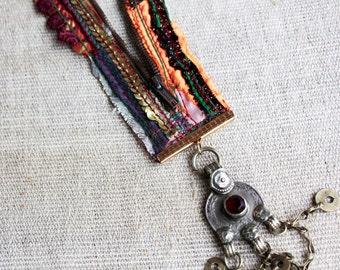 Boho Chic Necklace, Zipper Jewelry, Bib Necklace, Unique Necklace, Zipper Pendant, Zipper Necklace Colorful, Pendant Necklace, Design Gypsy