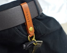 PERSONALIZED keychain leather, vegtan keychain, gift idea, vegetable tanned, keychain hanging belt