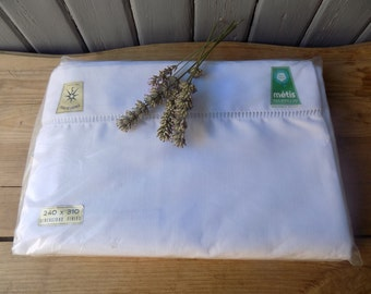 French vintage large metis, cotton and linen mix, flat sheet, never used, in original packet with labels, circa 1950s.