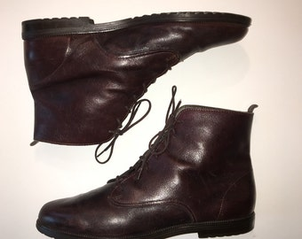 90's lace up Ankle Boots size 9 9.5 Granny Booties cordovan brown