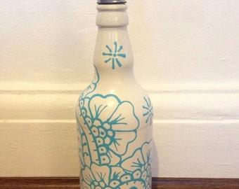 olive oil,olive oil pourer,olive oil drizzler,wine bottle,up cycled wine bottle,henna,henna design,henna pattern,kitchen. design