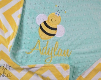 Personalized Baby Blanket, Minky Blanket, Personalized Name Blanket, Name and Bumble Bee Applique, Choose your colors, Choose your size.
