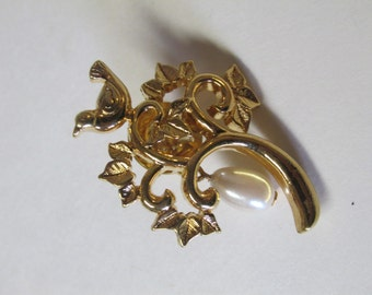 Vintage Gold Tone Tree Branch with a Bird and Faux Pearl Brooch Pin / Costume Jewelry / Estate Jewelry