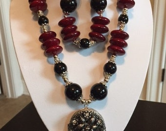 Red and Black Necklace 3 Piece Set
