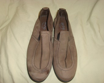 Gray Nubuck Leather arche LN Comfort Loafers 38/8M