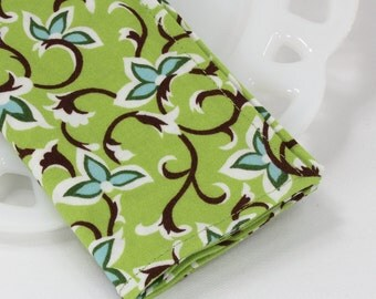 Green cloth napkins, floral napkins, cotton fabric napkins, gardening gifts, cottage decor, lunch and dinner napkins, size 12x12 set of 4