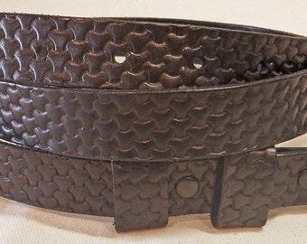 Hand Made Black Vegtanned leather Slimlined Belt.