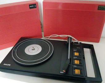Turntable, Philips Stereo 200. Red orange plastic 1970.