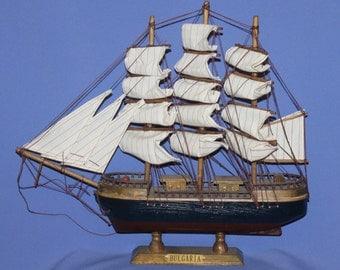 Vintage Hand Made Battle Caravel Wood Boat Ship Model