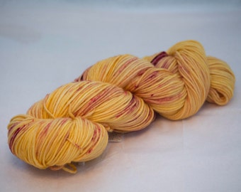 DK Weight 100% Superwash Merino Wool 231 yards / 100 grams