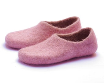 Romantic wool slippers-felted slippers-woman wool slippers-light pink slippers-alpaca slippers-boiled wool slippers-wool clog