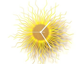 Medusa gold L / XL - contemporary wooden wall clock