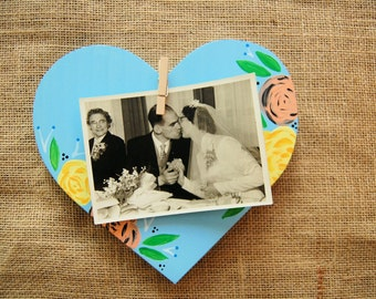 Heart Shaped Wall Hanging Picture Holder