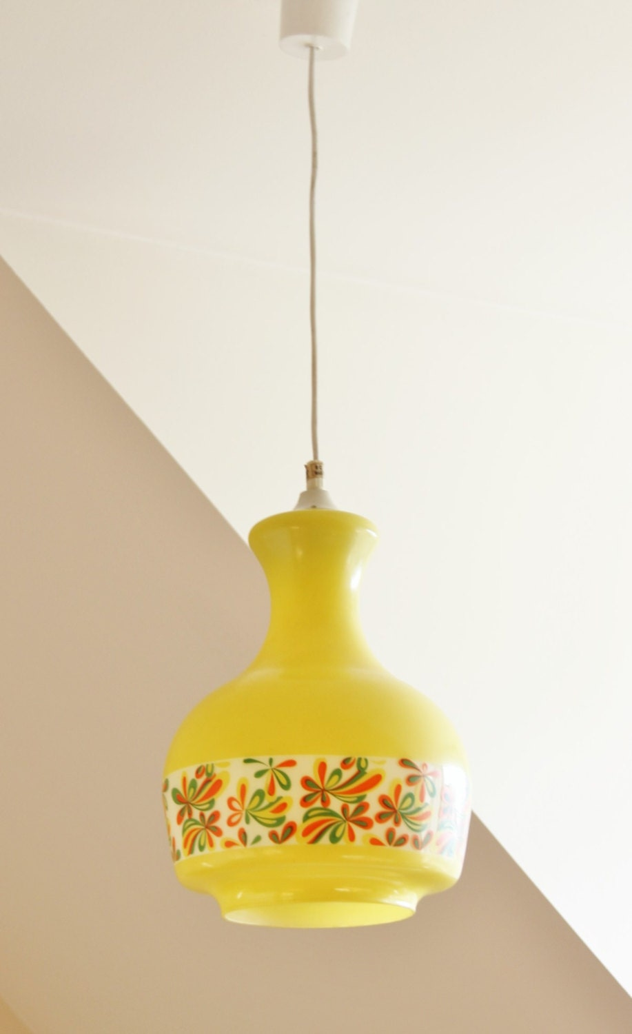 Daisy Yellow White Pendant Lighting 70s Psychedelic Pop