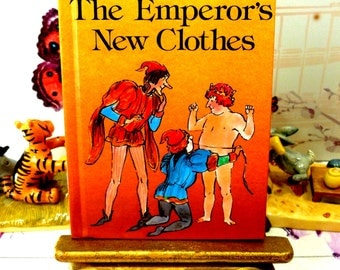 The Emperors New Clothes Vintage LadyBird Book Well Loved Tales Glossy Cover 1980 Easy Reader
