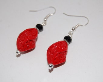 Red lacquer Chinese drop earrings,twisted beads,Carved,Bridesmaids,Earrings,Drop Earrings ,Dangle Earings ,Boho Jewelry ,Oriental Asian Zen