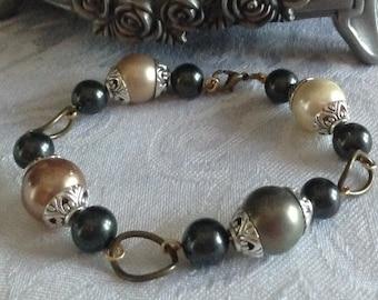 Multicolor South Sea Shell Pearl Bracelet